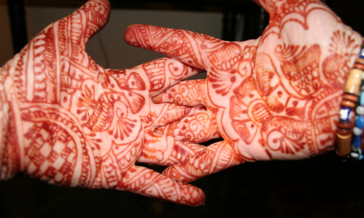 my henna hands in India