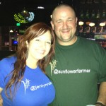 @jenlyndewey & @sunflowerfarmer coordinated their twitter shirts!