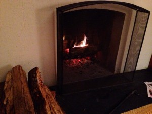 keeping warm thanks to a fireplace
