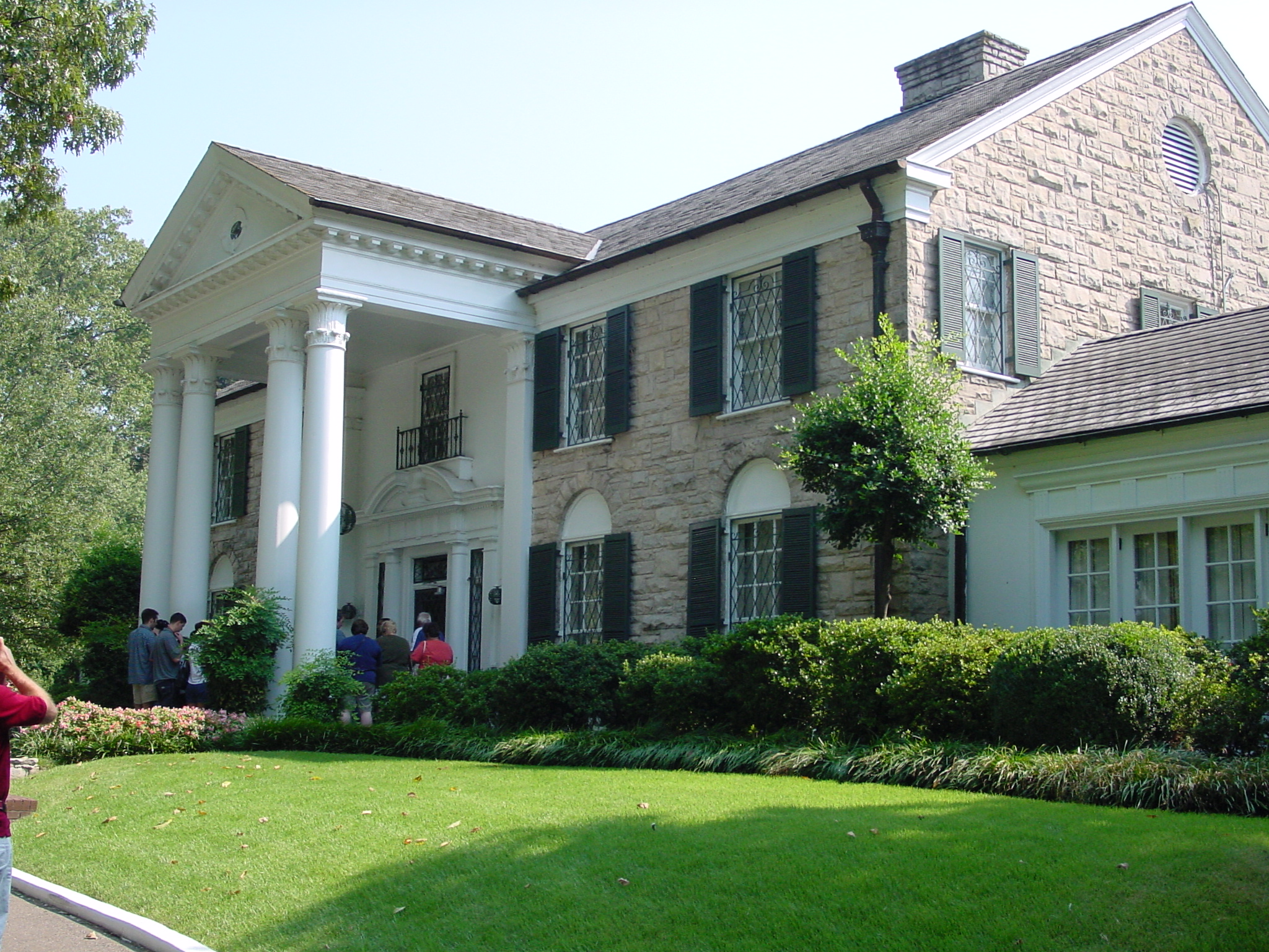 A Tour or Two... Maybe Half a Dozen Tours of Graceland