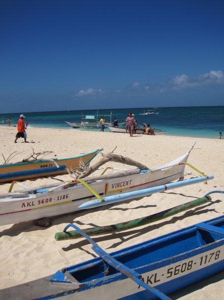 boats on puka beach